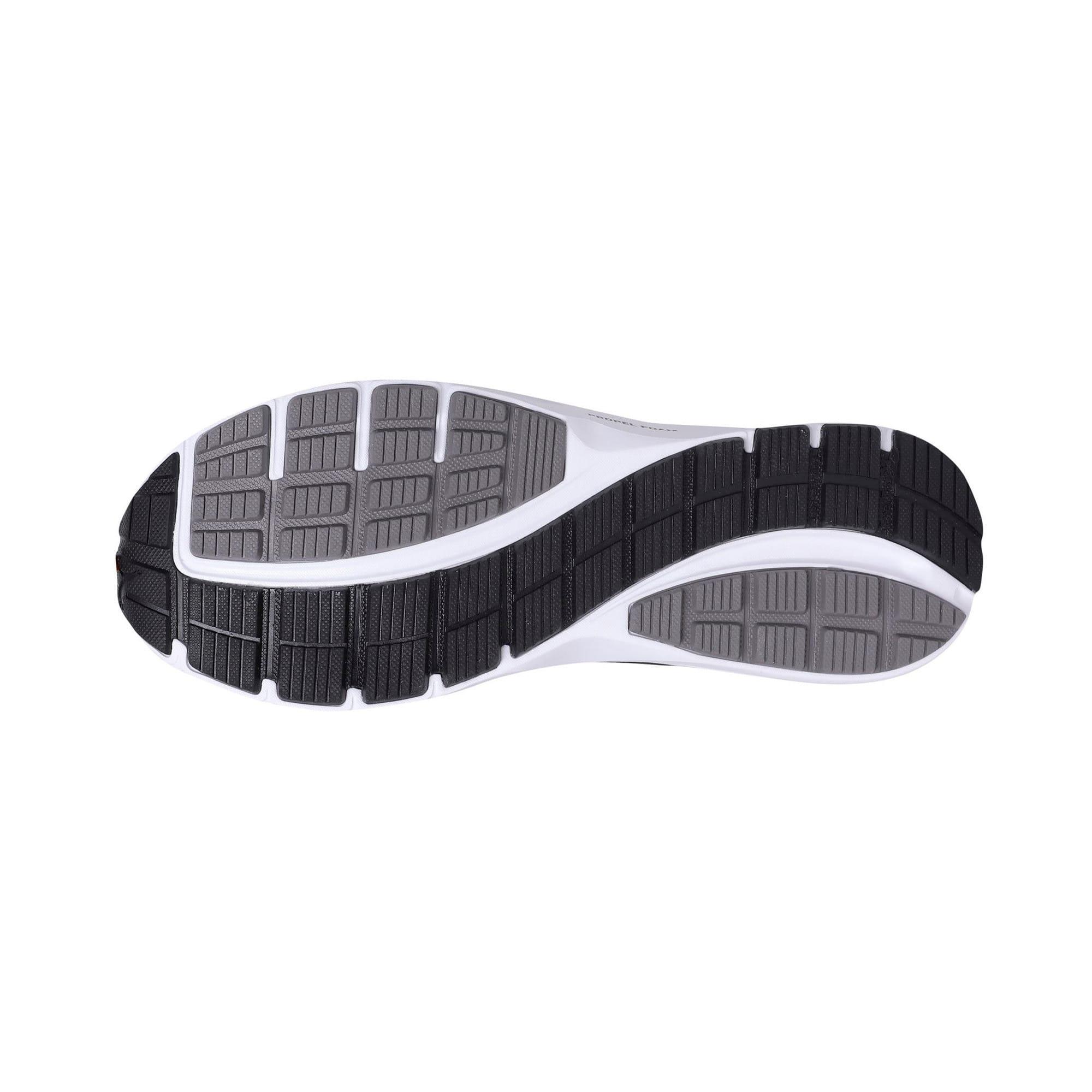 Thumbnail 4 of Essential Runner Men's Running Shoes, QUIET SHADE-Black-Silver, medium-IND