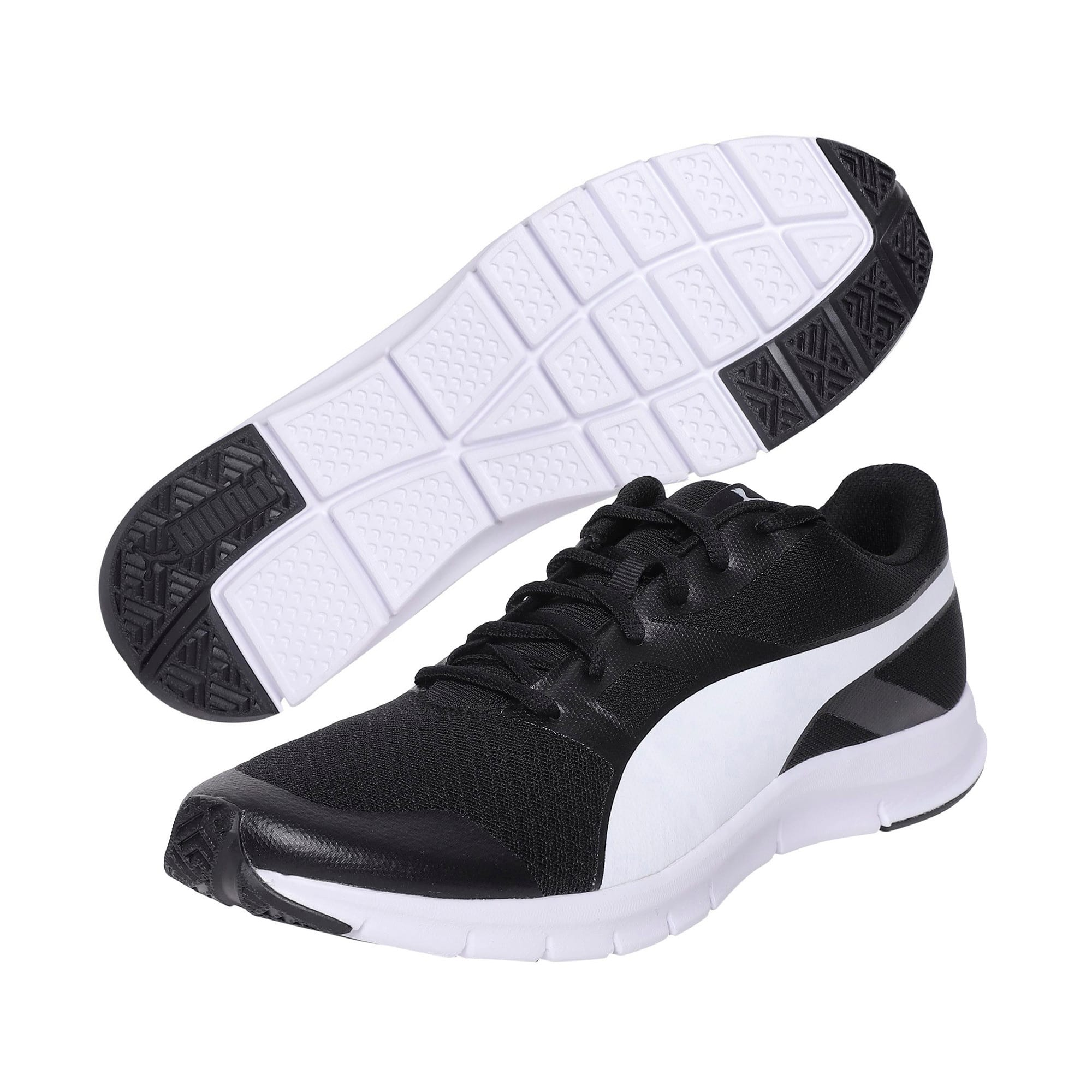 Thumbnail 2 of PUMA Flexracer Trainers, black-white, medium-IND