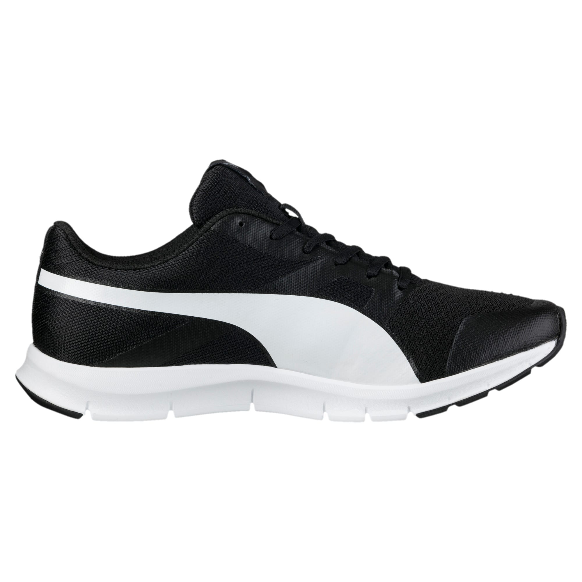 Thumbnail 4 of PUMA Flexracer Trainers, black-white, medium-IND