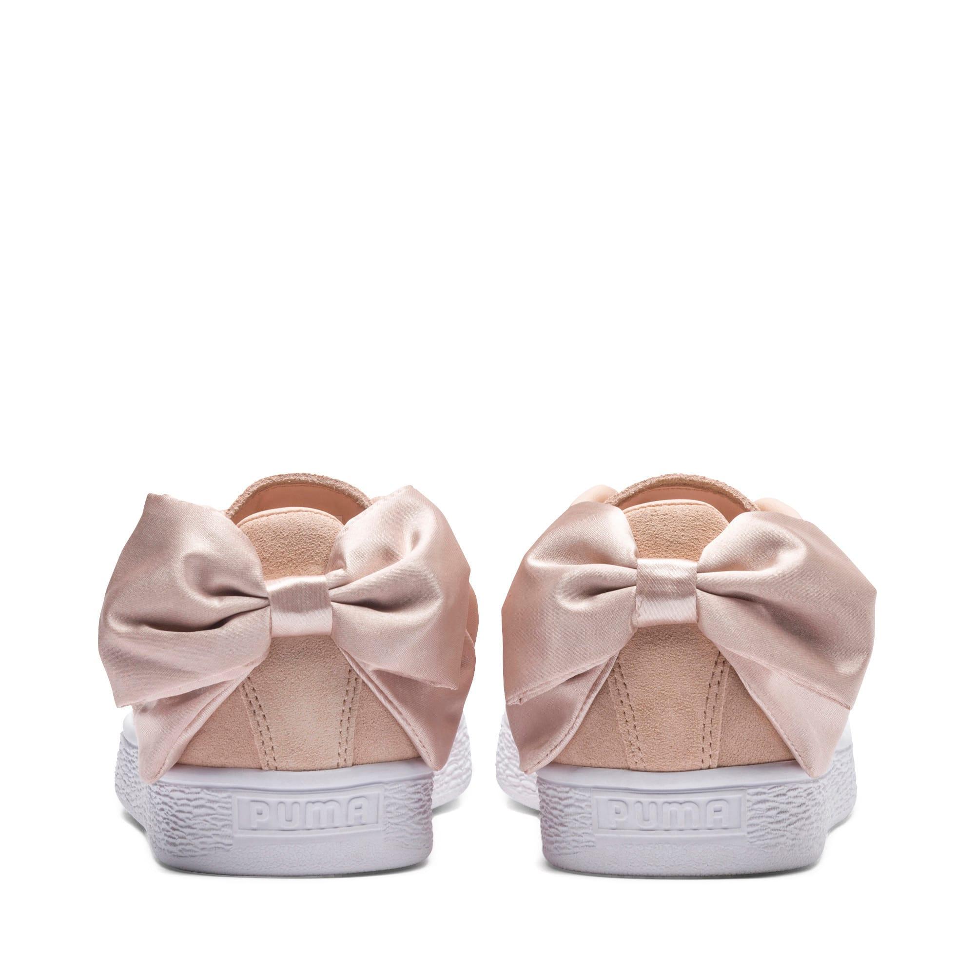 Thumbnail 4 of Basket Suede Bow Valentine pour femme, Cream Tan-Puma White, medium