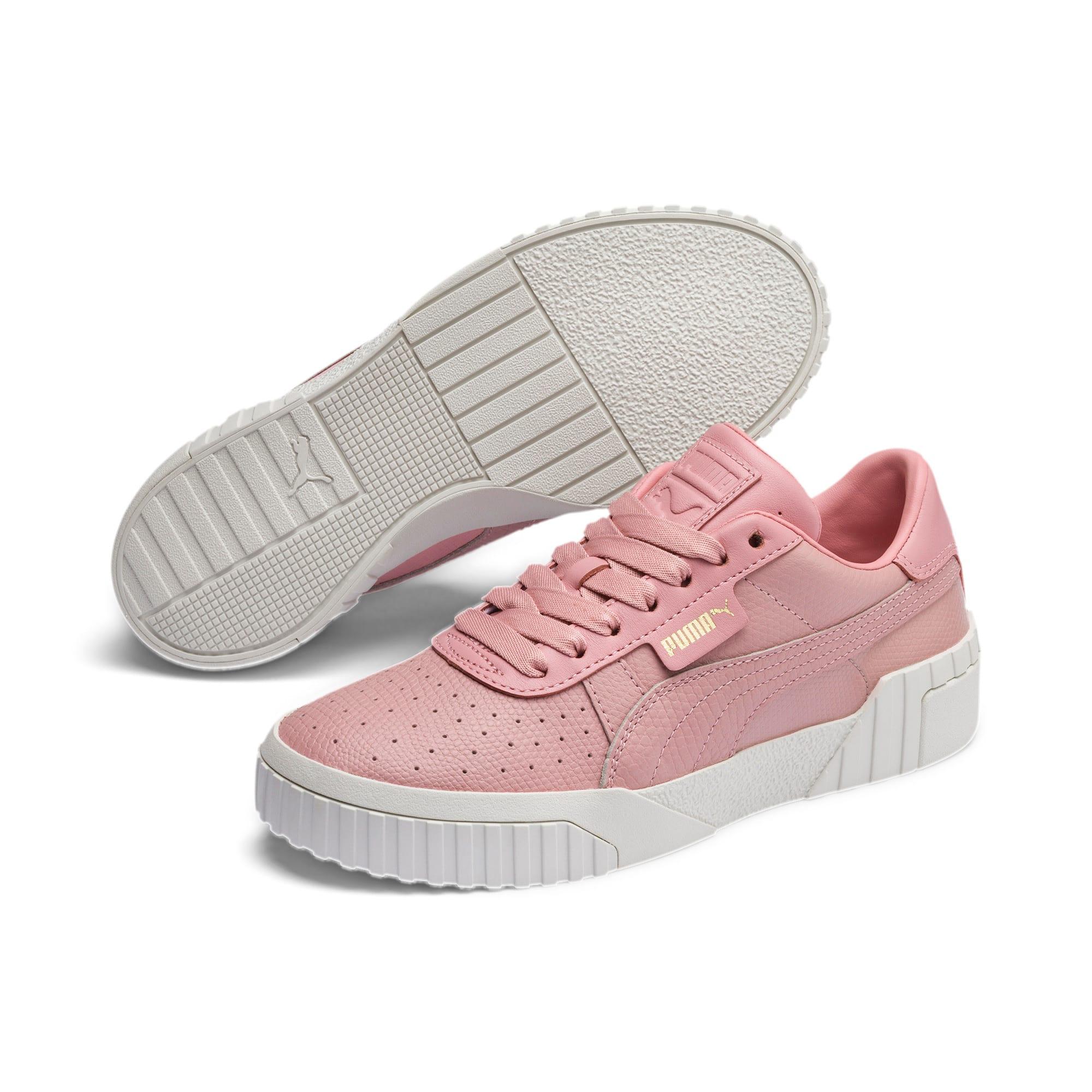 Thumbnail 3 of Cali Emboss sneakers voor dames, Bridal Rose, medium
