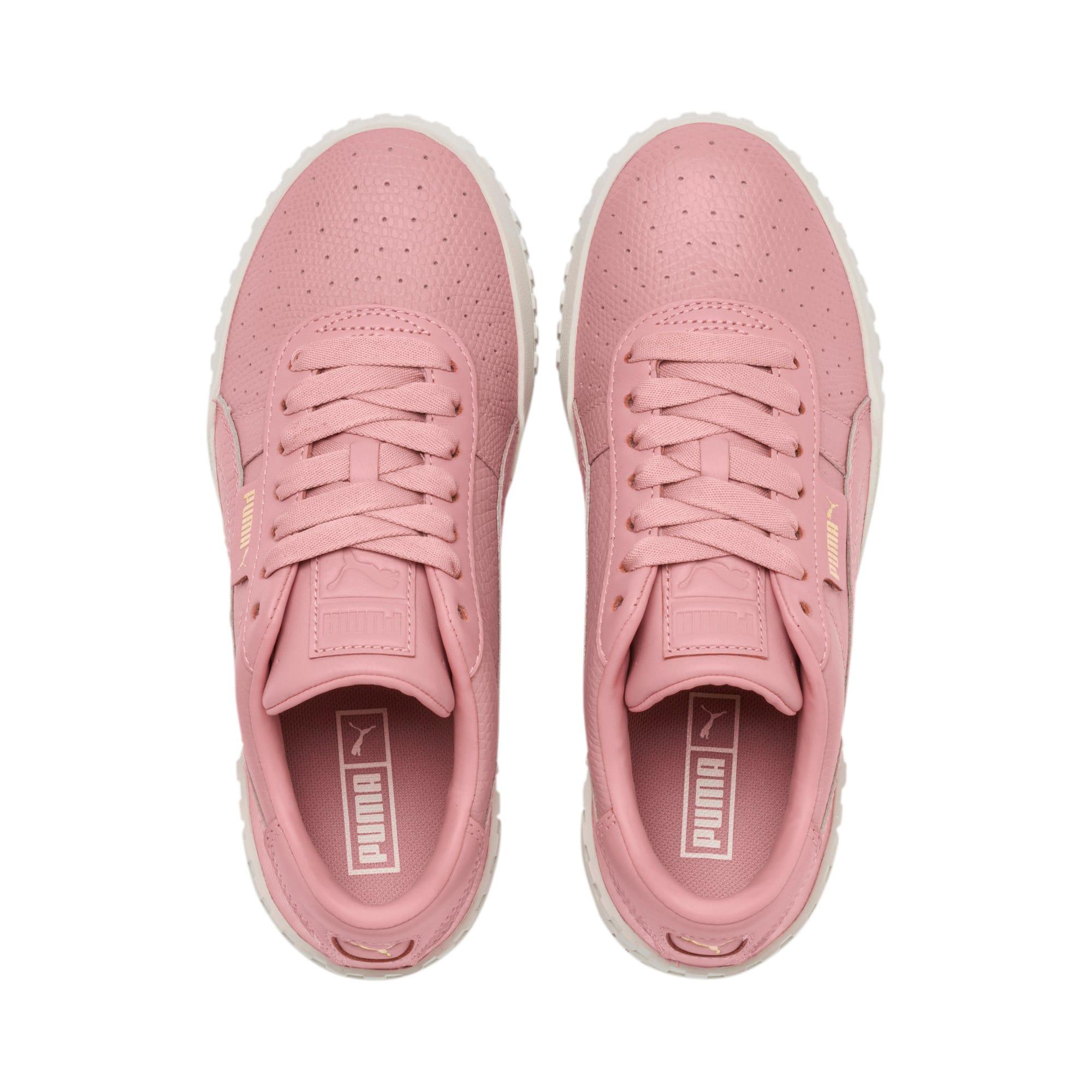 Thumbnail 7 of Cali Emboss sneakers voor dames, Bridal Rose, medium