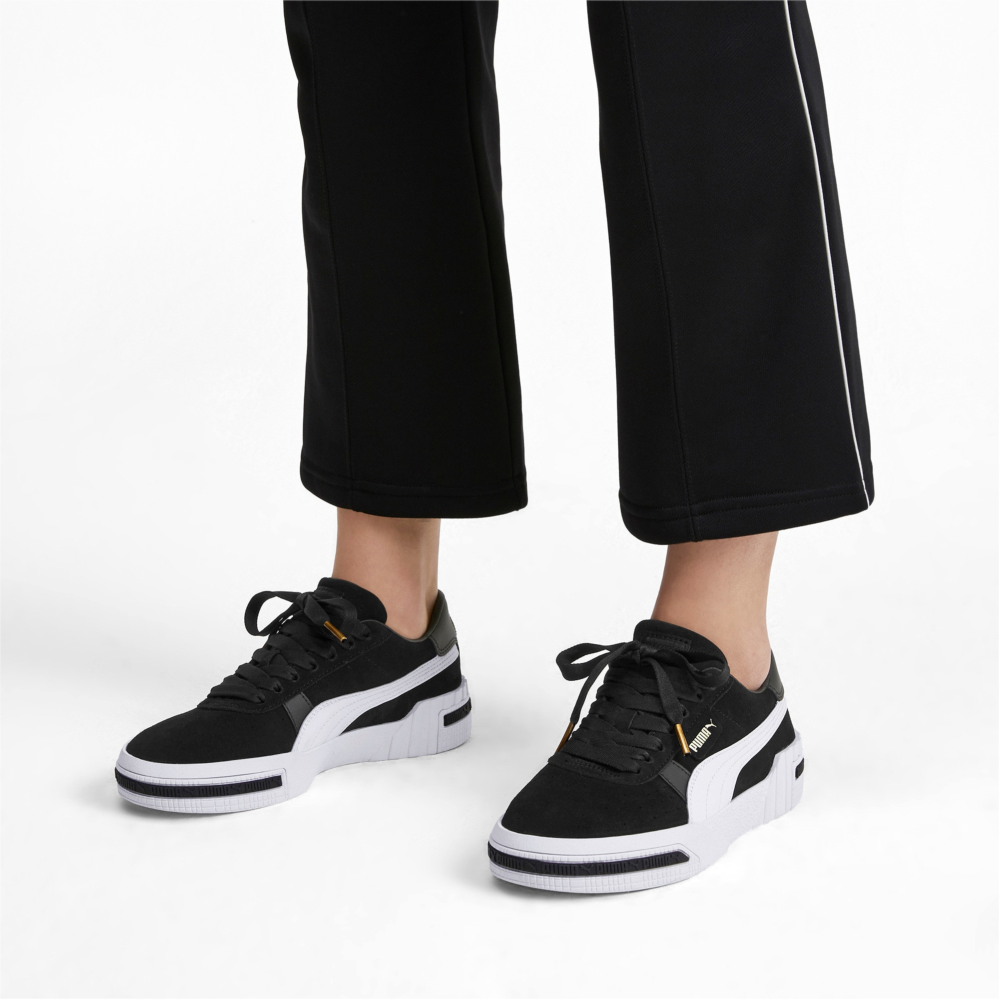 Thumbnail 2 of Cali Taped Damen Sneaker, Puma Black-Metallic Gold, medium