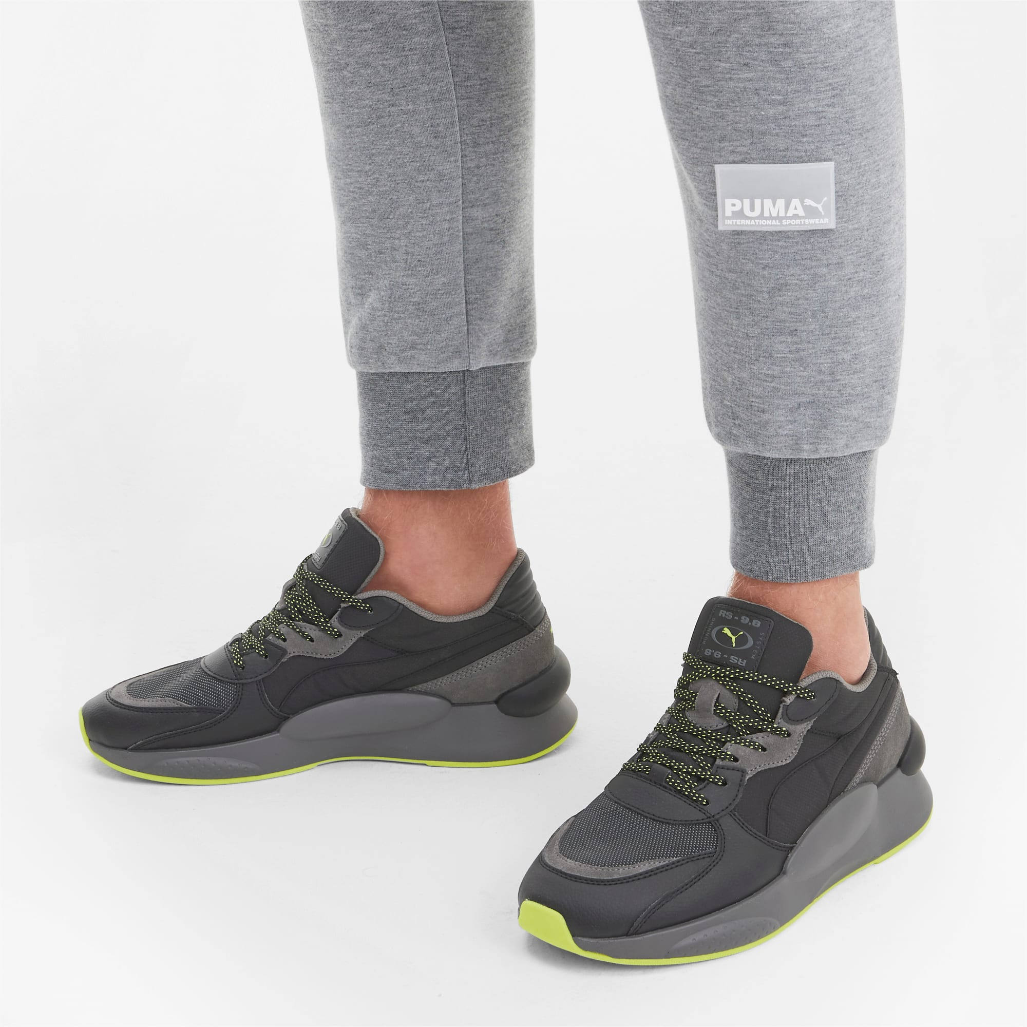 RS 9.8 Trail Trainers