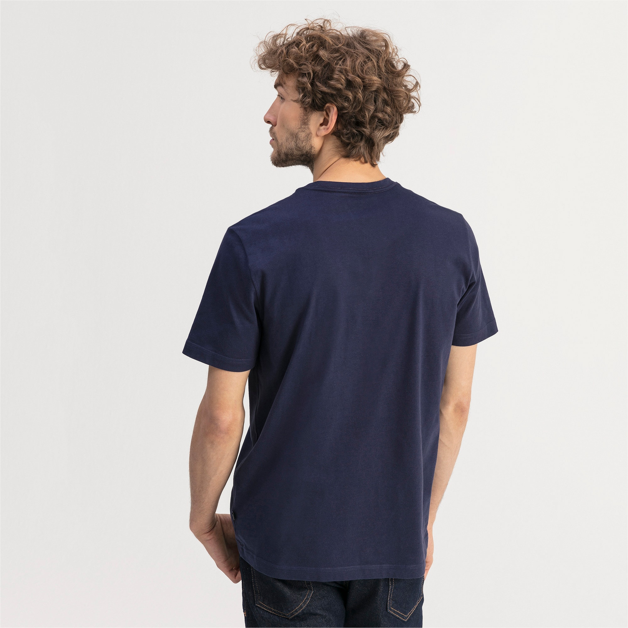 Thumbnail 2 of T-shirt con scollo a V Essentials uomo, Peacoat, medium