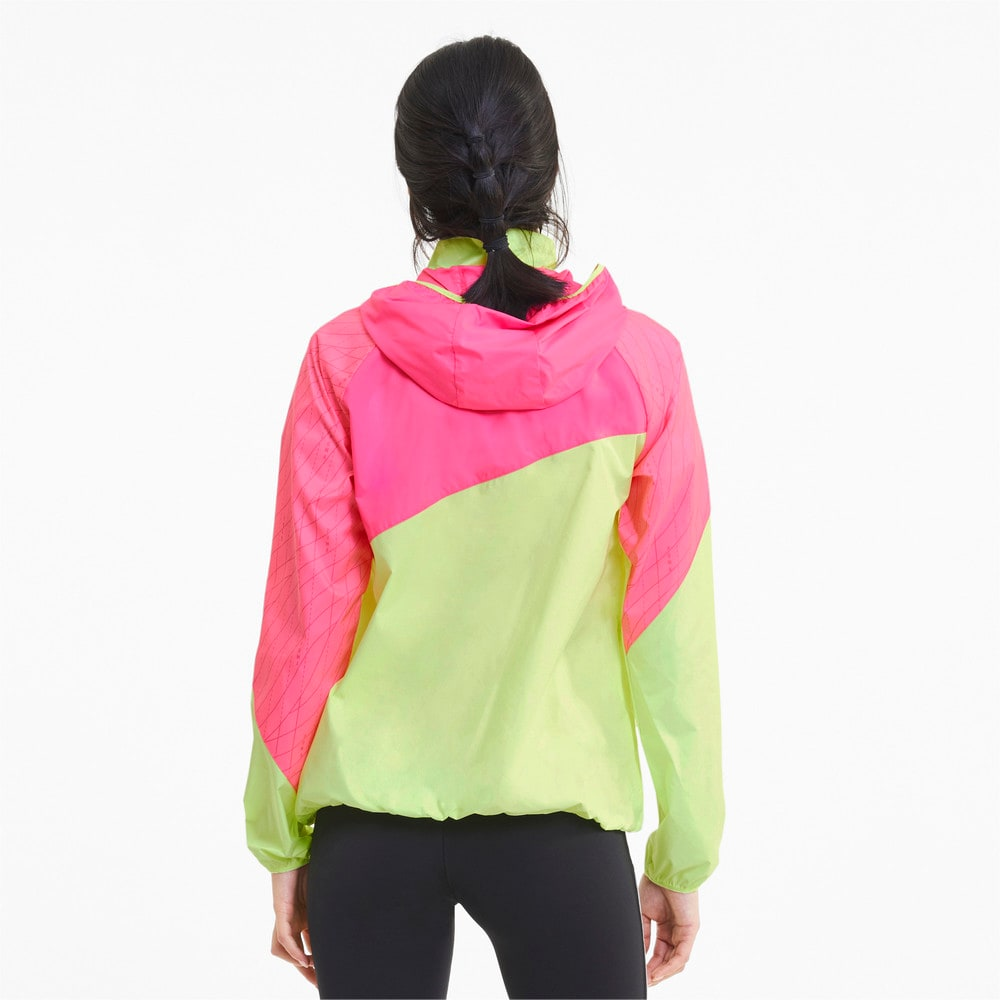 Image Puma Graphic Hooded Women's Running Jacket #2
