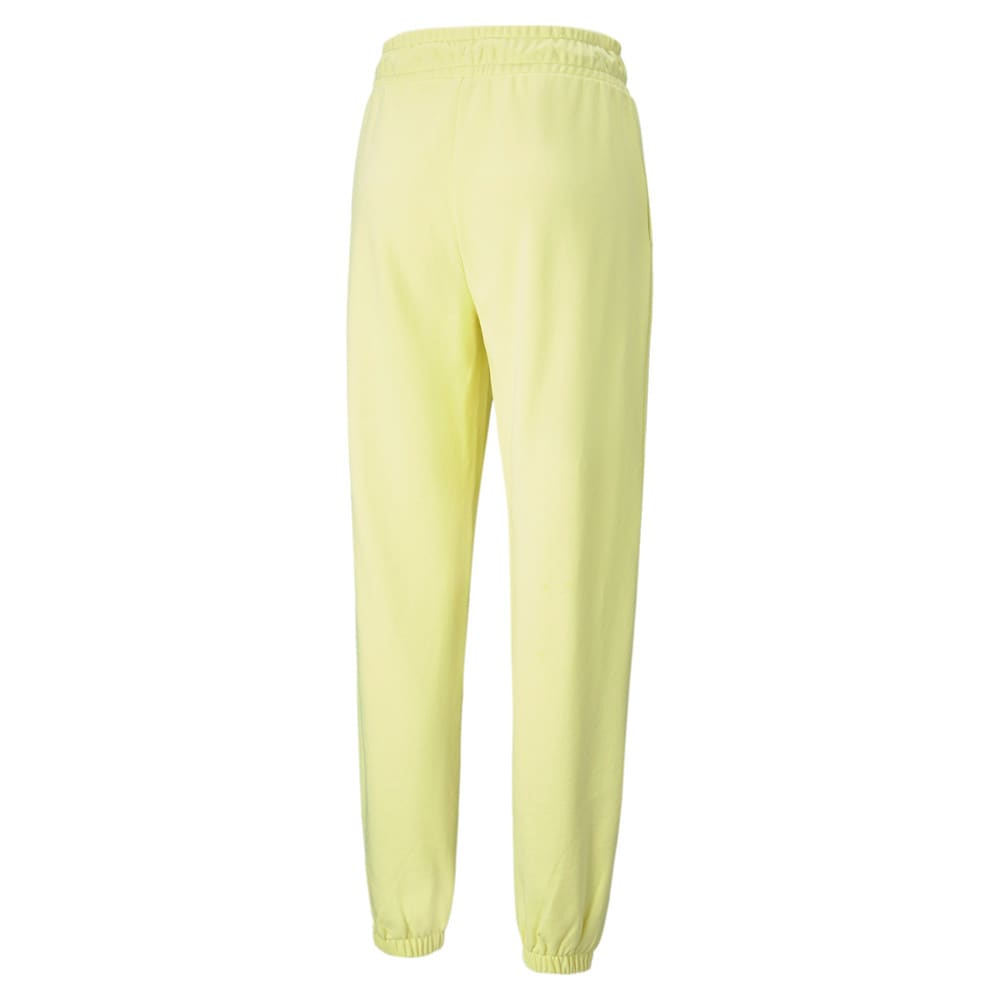 Изображение Puma Штаны Classics Relaxed Women's Sweatpants #2: Yellow Pear