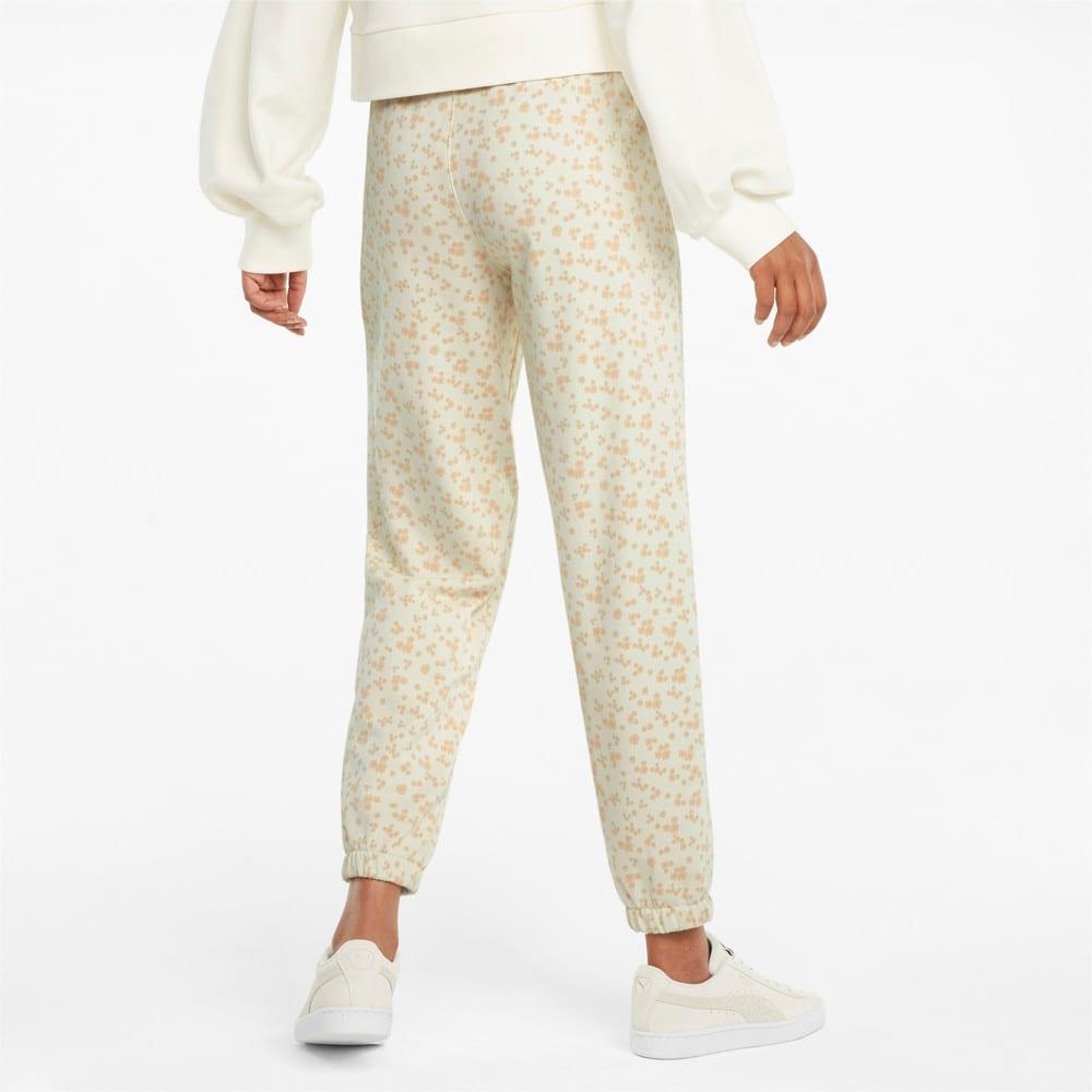 Imagen PUMA Pantalones deportivos para mujer con estampado floral #2