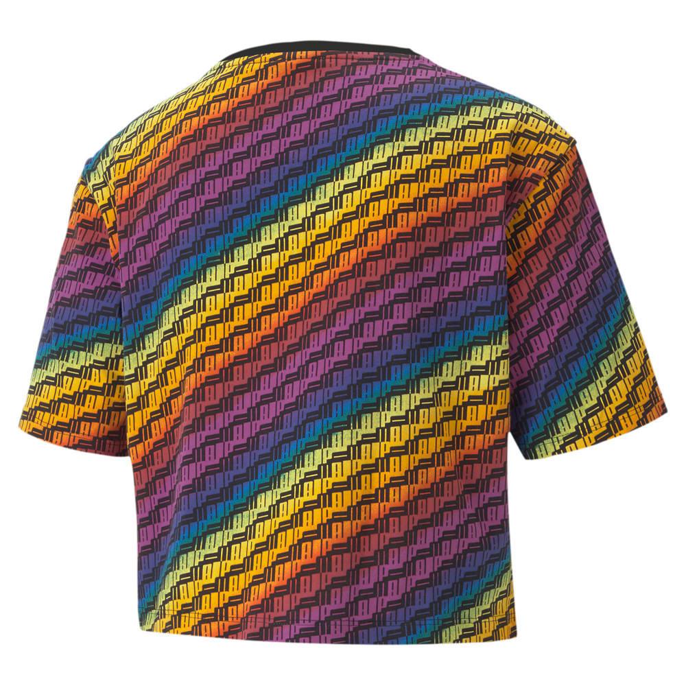 Imagen PUMA Polera Pride para mujer con estampado en toda la prenda #2