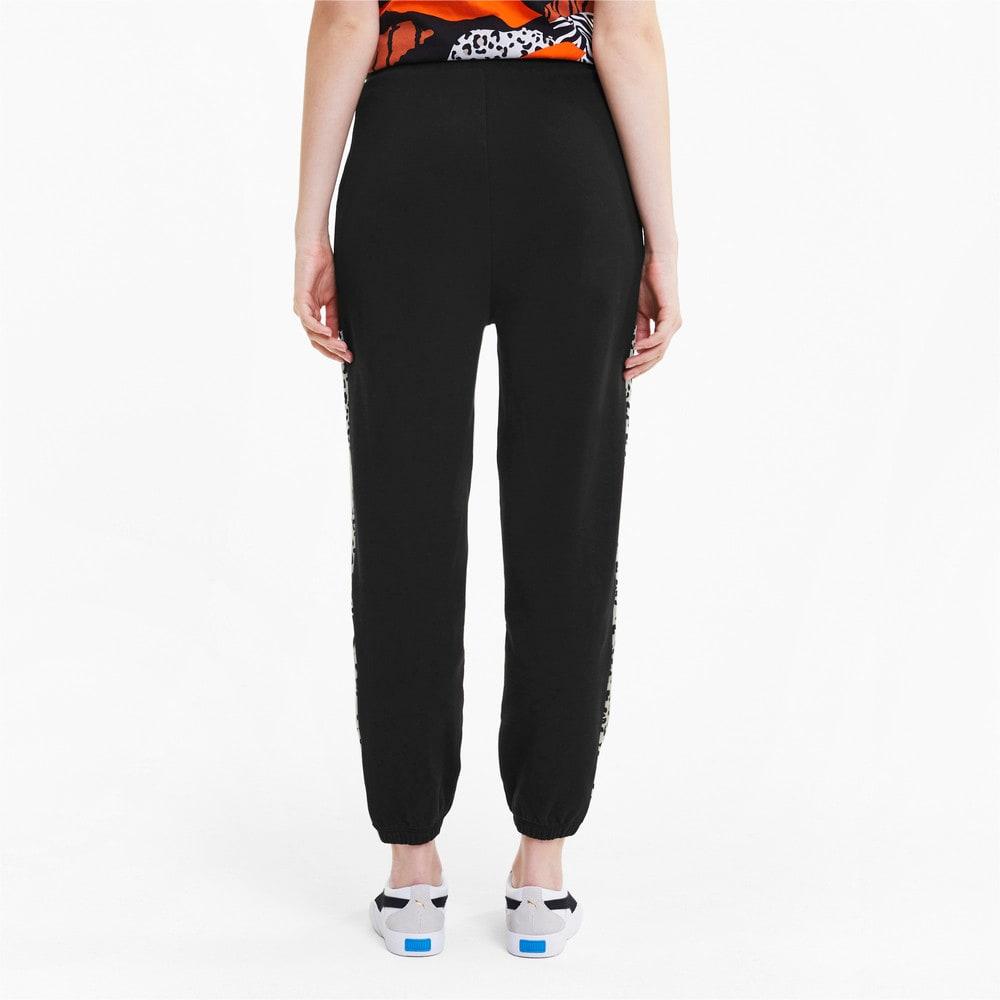 Imagen PUMA Pantalones deportivos de tejido de punto Classics Graphic para mujer #2