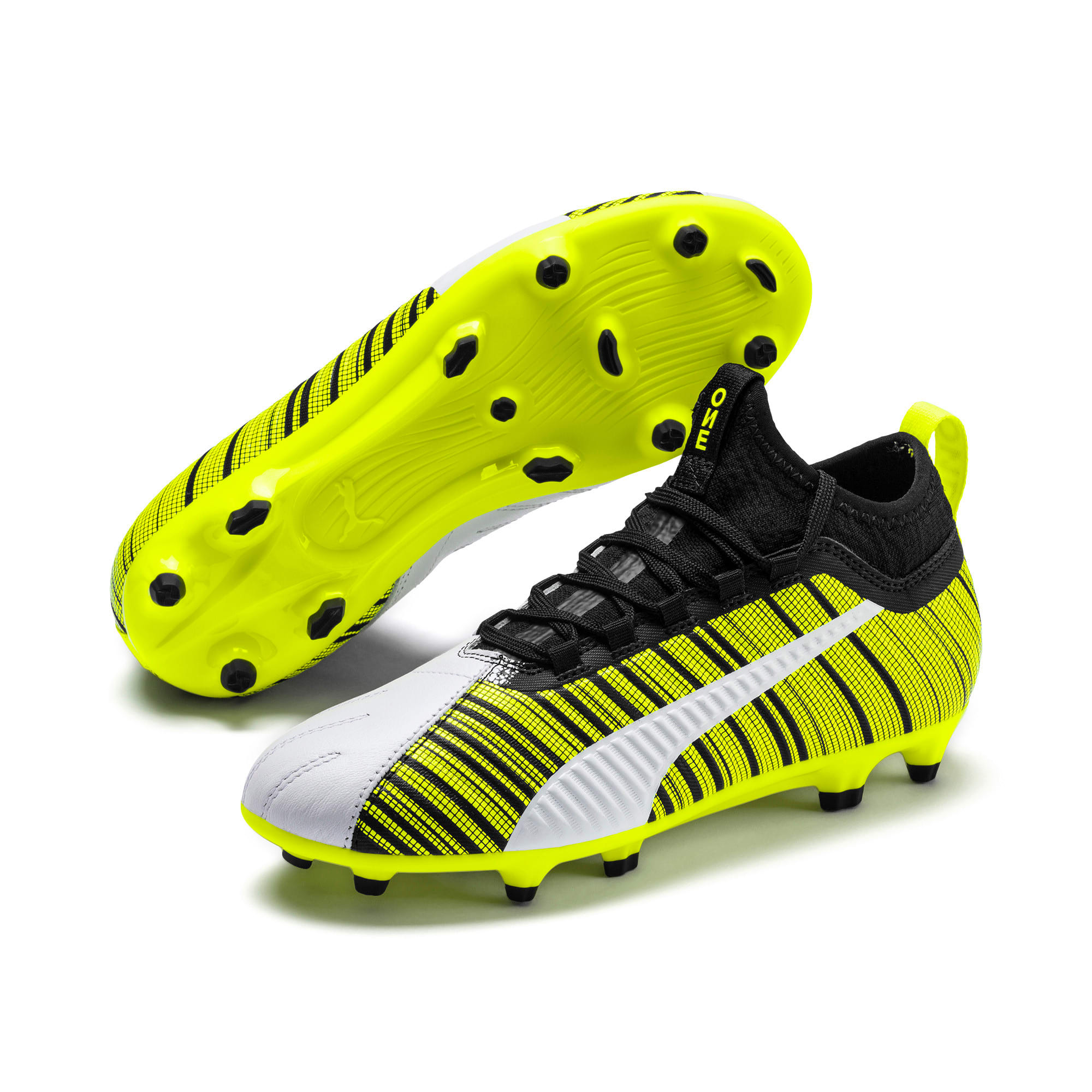 Thumbnail 2 of Chaussure de foot PUMA ONE 5.3 FG/AG Youth, White-Black-Yellow Alert, medium