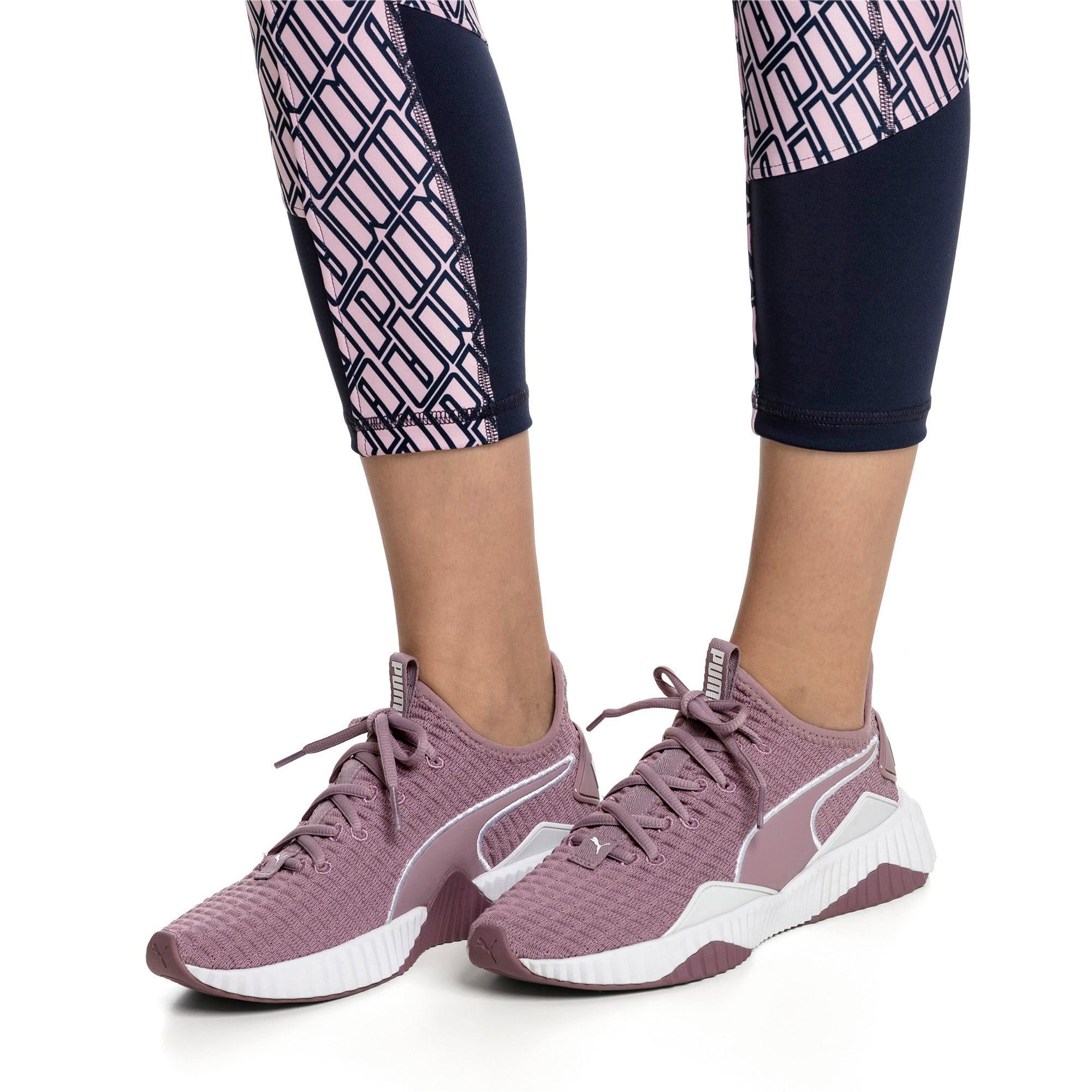 Miniatura 7 de Zapatos de entrenamiento Defy para mujer, Elderberry-Puma White, mediano