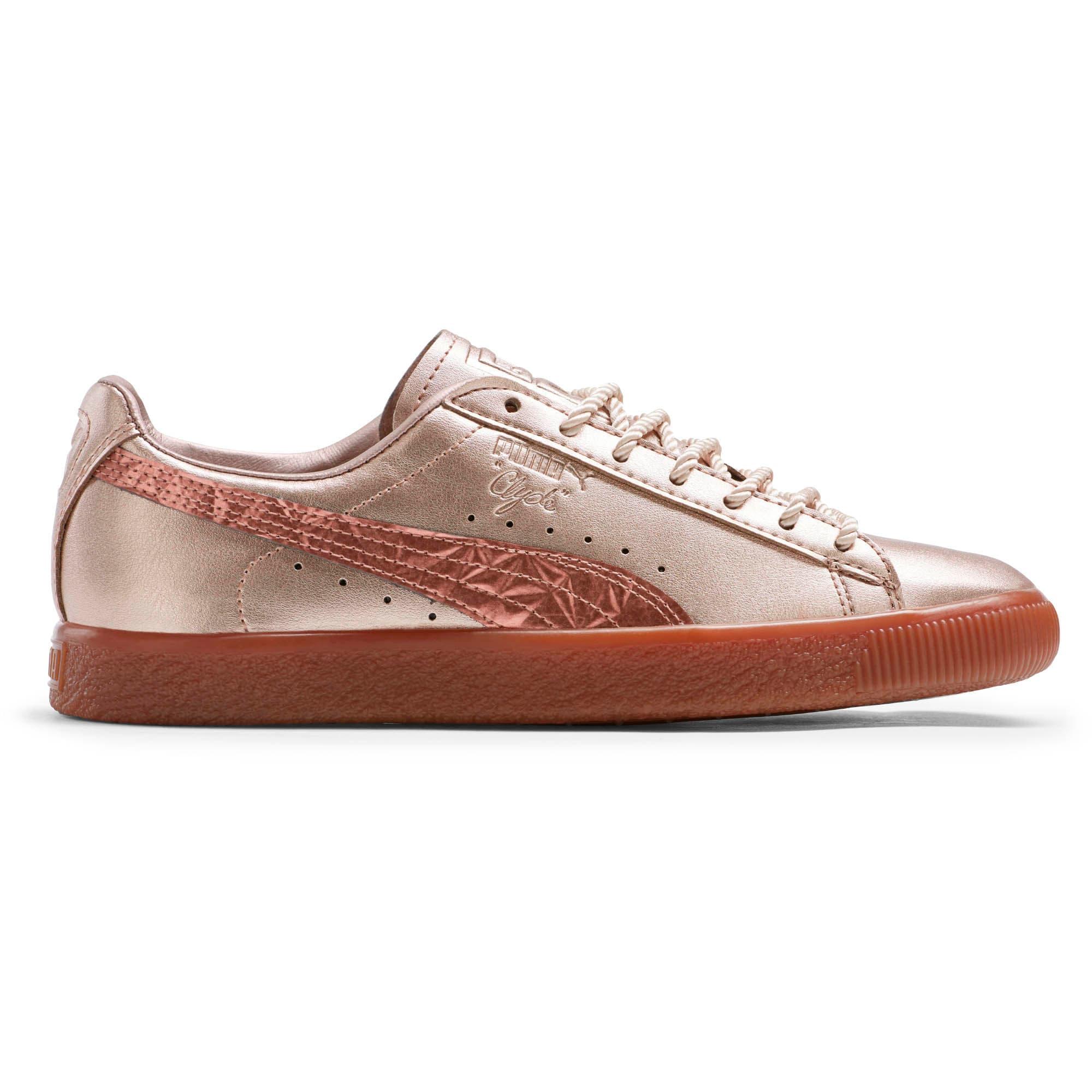 separation shoes d2d40 8fd6a Clyde TOTT Women's Sneakers
