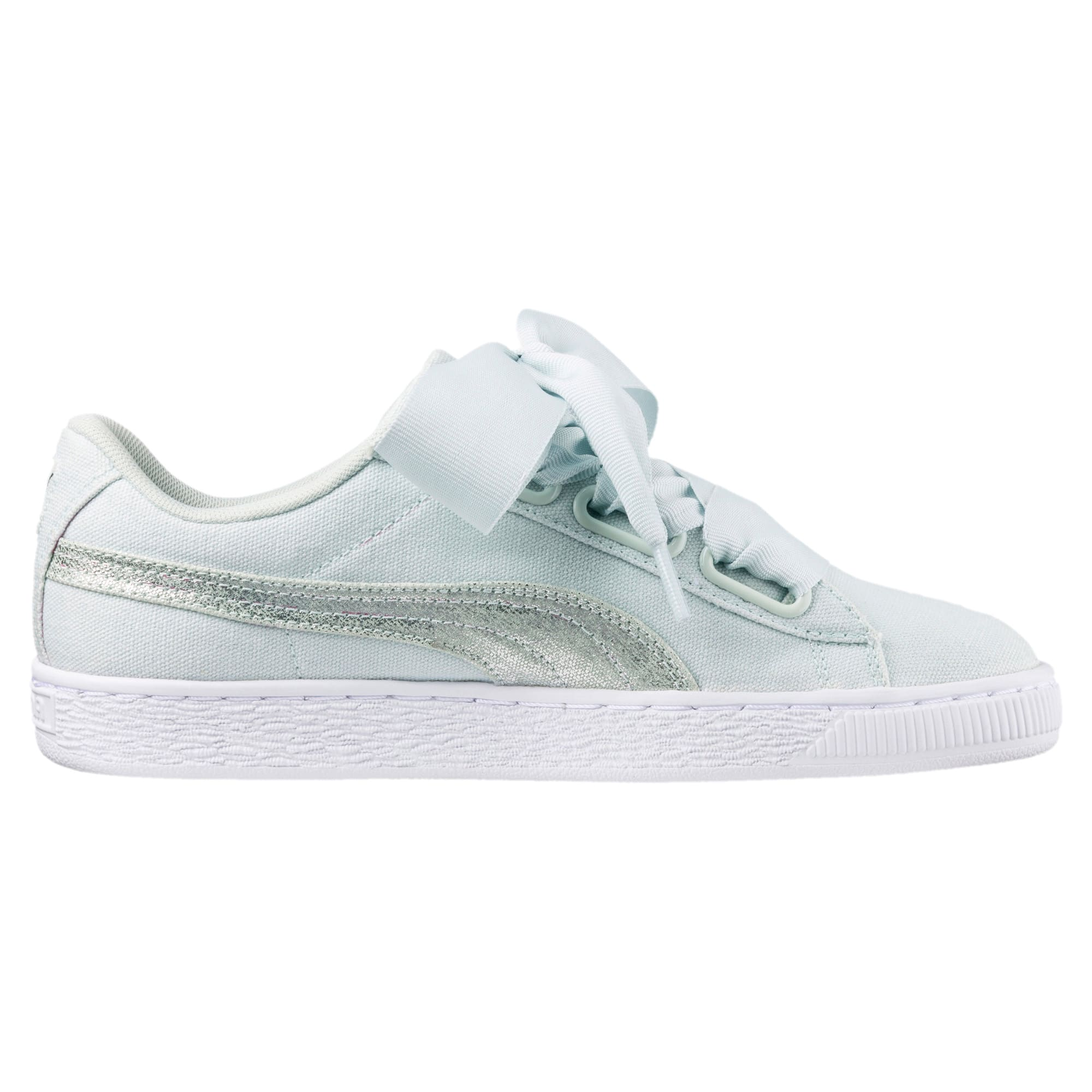 finest selection 084a4 93af7 Basket Heart Canvas Women's Sneakers