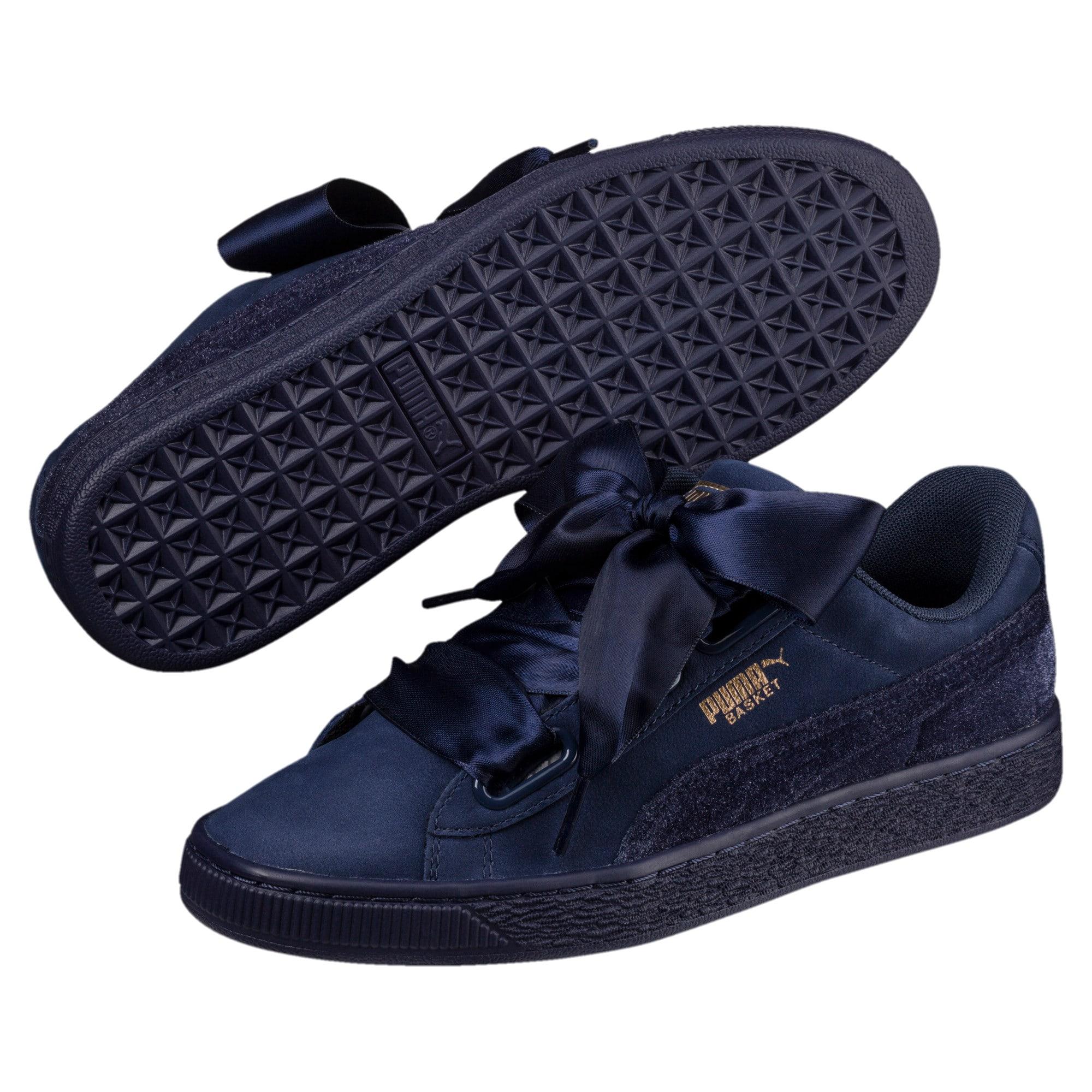 wholesale dealer 95af6 f0e8a Basket Heart Lunar Glow Women's Sneakers