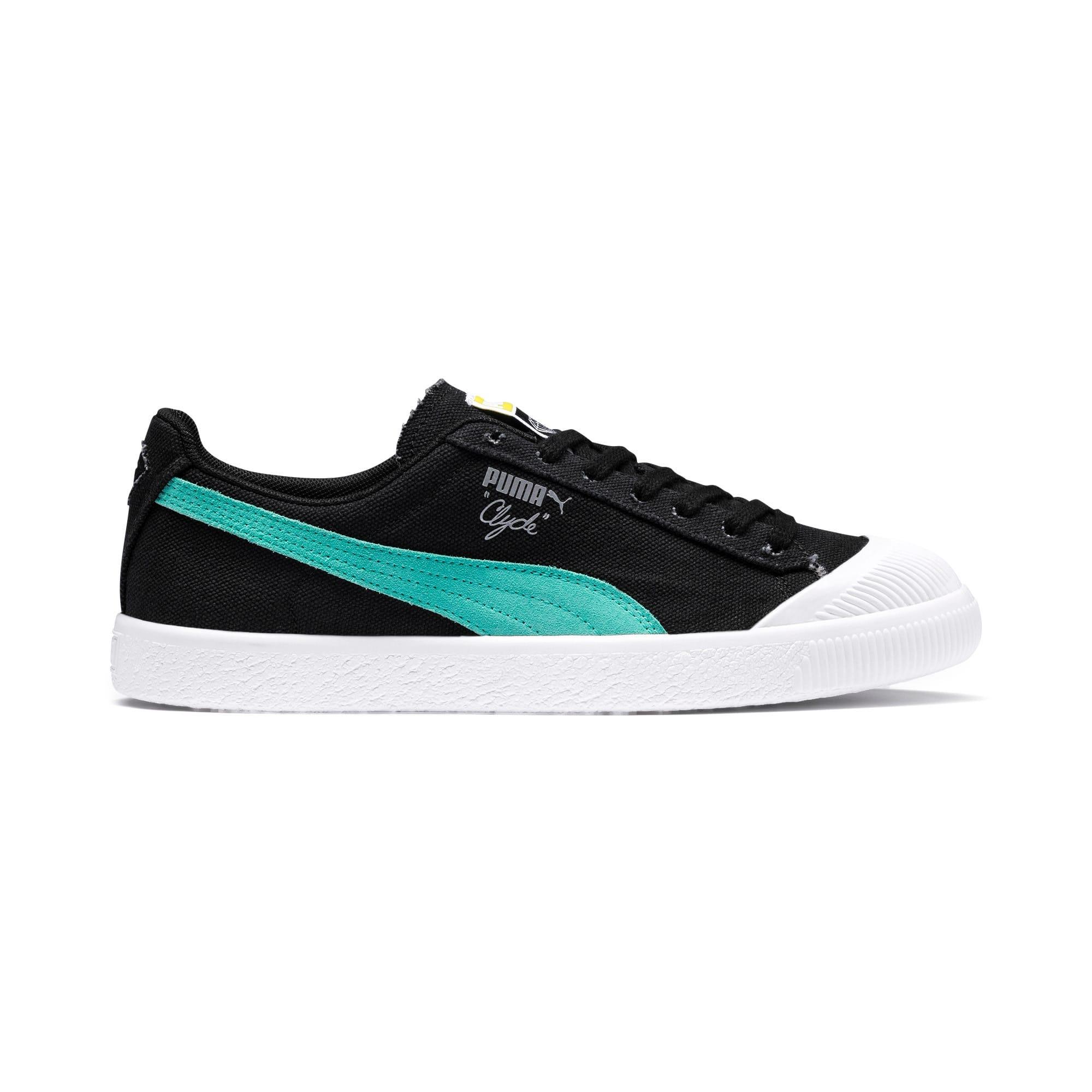 wholesale dealer d6e46 88e41 PUMA x DIAMOND SUPPLY CO. Clyde Sneakers