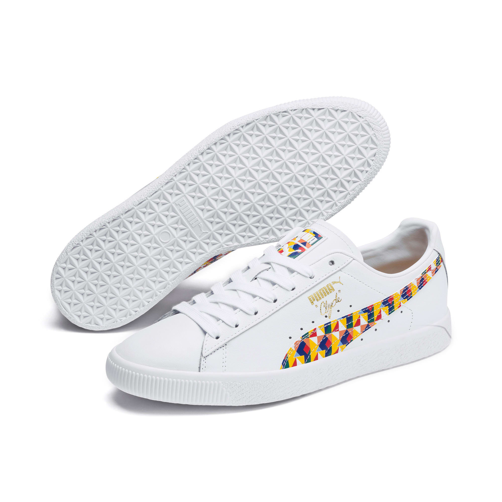 super popular dd9e7 4f362 Clyde Graffiti Sneakers
